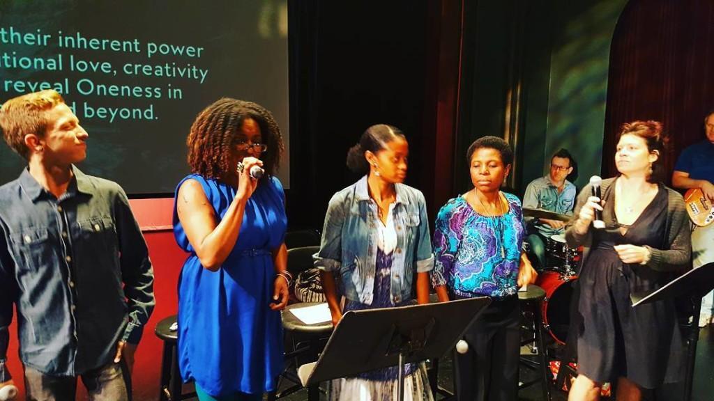 singers at bodhi spiritual center at vittum theater chicago - 07.31.16